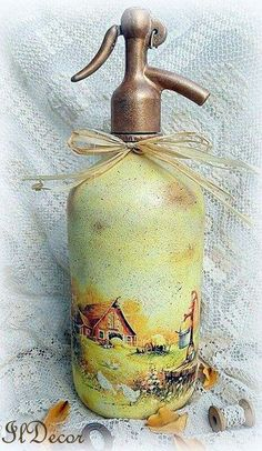 The transformation of soda-water bottle decoupage Decoupage Vintage, Soap Dispenser, Whisky, My House, Water Bottle, Objects, Painting, Home Decor, Inspiration