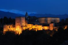 Alhambra Palace in Granada, Spain Sierra Nevada, Places Ive Been, Places To Go, Andalusia Spain, Granada Spain, Night Photos, Beautiful Places In The World, Wonders Of The World, Travel