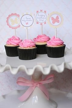 free printable Mothers Day cupcake toppers!