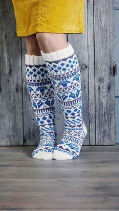 Fair Isle Knitting, Knitting Socks, Animal Knitting Patterns, Knitting Ideas, Men In Heels, Fair Isles, Wool Socks, Slipper Boots, Designer Socks