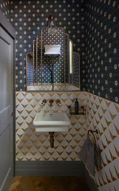 Art Deco Bathroom, Bathroom Interior, Modern Bathroom, Small Toilet Room, Vanity Basin, Estilo Art Deco, Geometric Tiles, Downstairs Toilet, Wallpaper Decor