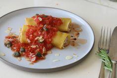 Cannelloni met bloemkool, tomaat, amandelen en kappertjes (vegetarisch, zuivelvrij en glutenvrij, maar maak ze vooral omdat ze lekker zijn)