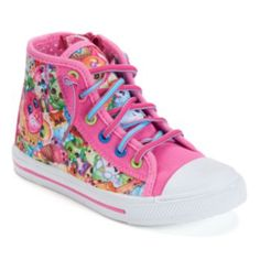 Shopkins High Top Fashion Sneakers Size 1 Zip Up: These girls' Shopkins sneakers give her colorful style that pops. Shopkins Shoes, Shopkins Outfit, Shopkins Girls, Shopkins Clothes, Girls High Top Sneakers, Girls High Tops, Toddler Sneakers, Sneakers Fashion, Fashion Shoes