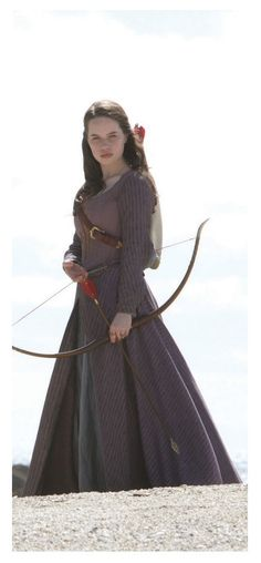 Probably one of my least favorite narnia dresses just too plain but pretty