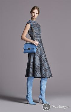 CH Collection Herbst / Winter 2015 Frau – evelyn alvarez – Join the world of pin Tartan Fashion, Look Fashion, Womens Fashion, Fashion Design, Plaid Dress, Dress Skirt, Dress Up, Fall Fashion Trends, Autumn Fashion