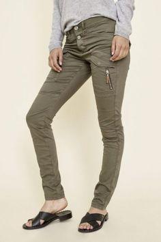 Army eller kanel cargobukse Mos Mosh - 124500 valerine Khaki Pants, Army, Fashion, Environment, Gi Joe, Moda, Khakis, Military, Fashion Styles