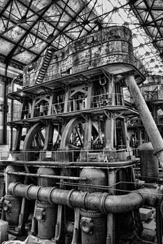 Col. Francis G. Ward Pumping Station, Holly MFG. Co. Triple Expansion Steam engine, Buffalo NY ==> https://www.youtube.com/watch?v=7cC_jcm8uO0