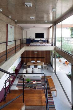 FM: a great idea to incorporate a double storey room.  Gallery - Jardins House…