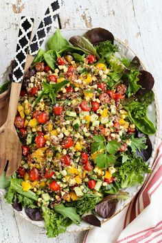 Summer Quinoa and Veggies Salad with Honey-Shallot Vinaigrette from afarmgirlsdabbles.com