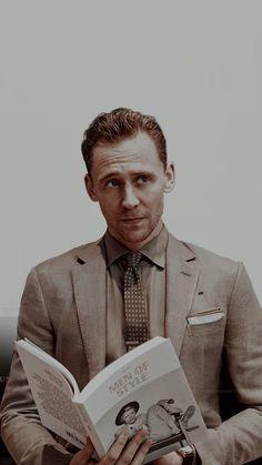 The Avengers, Marvel Actors, Marvel Avengers, Loki Wallpaper, Avengers Wallpaper, Thomas William Hiddleston, Tom Hiddleston Loki, Loki Aesthetic, Marvel Heroes