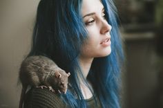 Character inspiration blue hair and a rat Female Character Inspiration, Writing Inspiration, Story Inspiration, Beetlejuice, Blue Hair Aesthetic, Blake Steven, Daughter Of Smoke And Bone, Pet Rats, Life Is Strange