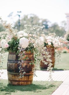 whiskey barrel aisle markers | Pasha Belman #wedding
