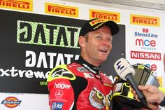 Shakey claims pole position from Bridewell in fierce Thruxton Superpole shootout - http://superbike-news.co.uk/wordpress/Motorcycle-News/shakey-claims-pole-position-bridewell-fierce-thruxton-superpole-shootout/
