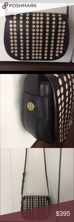 JUST REDUCED! Tory Burch crossbody Tory Burch crossbody: Saffiano leather in excellent condition. Carried just a few times. Tory Burch Bags Crossbody Bags