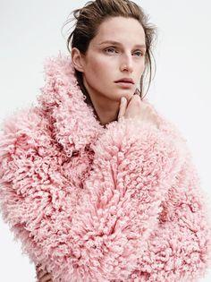 Rianne van Romaey para Vogue UK August 2014 por Karim Sadli ph.