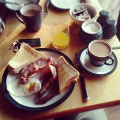 Todo lo que necesitas saber para preparar tu viaje a Irlanda y poder tomarte un desayuno como este / via #Viajology