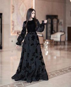 Long Tight Prom Dresses, Beautiful Dress Designs, Fancy Dress Design, Pakistani Wedding Outfits, Sleeves Designs For Dresses, Stylish Dresses For Girls, Indian Fashion Dresses, Designer Dresses, Clothes