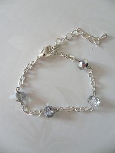 Bracelet argenté et perles à facettes en argent transparent - DESTOCKAGE : Bracelet par miss-j-adore