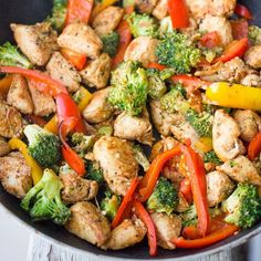 """"""". One Pot Paleo Mexican Chicken Stir Fry By @sweetcsdesigns Please visit the blog, link in her profile - 1 tsp olive oil 2 skinless chicken breasts, fat…"""""""