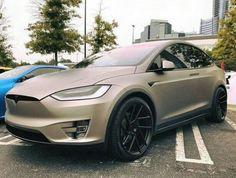 Tesla Electric Car, Electric Cars, My Dream Car, Dream Cars, Vinyl Wrap Car, Tesla Models, Tesla Roadster, Toasters, Tesla S