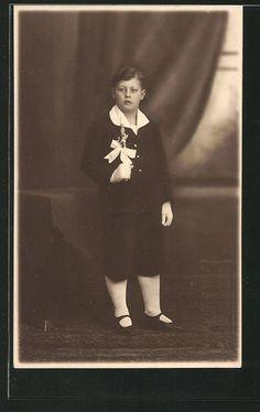 schöne Präge-AK Junge in edler Kleidung bei seiner Kommunion in Sammeln & Seltenes, Ansichtskarten, Motive | eBay