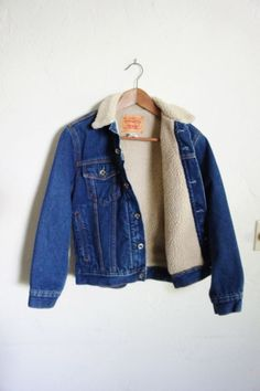 Vintage 90's Levi Strauss faux Sheep-skin lined Denim Jacket/ Outerwear/ Unisex/ Women M/ Men