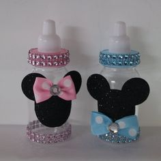 12 Pink and Blue Mix Twins/Gender Reveal Minnie Mickey Mouse Themed Baby Shower Party Favors Bottles – Baby Shower Games – Party Decorations 12 Pink and Blue Mix Twins/Gender … Fiesta Baby Shower, Baby Shower Party Favors, Boy Baby Shower Themes, Baby Shower Parties, Disney Gender Reveal, Twin Gender Reveal, Baby Gender Reveal Party, Deco Disney, Mickey Mouse Baby Shower
