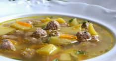 Try a simple recipe for beef tripe soup. It is Caribbean soul food at its best and a pressure cooker tenderizes the tripe in the least amount of time. Tripe Soup, Beef Tripe, Beef Soup Recipes, Cooking Recipes, Beef Soups, Chowder Recipes, Cooking Ideas, Crockpot Recipes, Trinidad Recipes