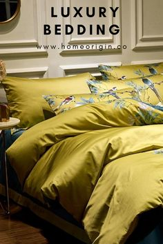 This exquisite Chinoiserie bedding gives an unique cozy, lived-in look and feel, which brings an effortless touch of effective luxury to your bedroom's décor. Rose Duvet Cover, Bed Duvet Covers, Duvet Cover Sets, Egyptian Cotton Duvet Cover, Duvet Bedding Sets, Teal Bedding Sets, Home Room Design, Black Rooms, Home Living