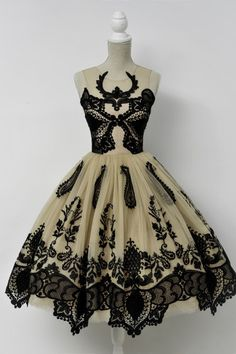 deer - Chotronette. I AM OBSESSED WITH THESE DRESSES