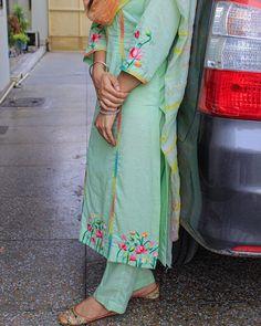 Embroidery Suits Punjabi, Embroidery Suits Design, Embroidery Designs, Punjabi Suits Designer Boutique, Boutique Suits, Bride Suit, Bridal Chura, Bhaji Recipe, Fancy Dress Design