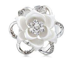 Brošňa na šatky - kvetinový drahokam v tvareluxusného kvetu - www.malovany-hodvab.sk Engagement Rings, Floral, Flowers, Jewelry, Fashion, Luxury, Enagement Rings, Moda, Wedding Rings