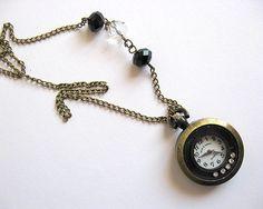 Ceas bronz sub forma de pandantiv, colier cu cristale - idei cadouri femei Pocket Watch, Watches, Cute, Fashion, Moda, Wristwatches, Fashion Styles, Kawaii, Clocks