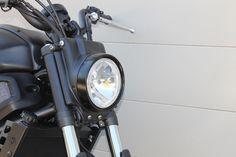 Lampenverkleidung matt schwarz lackiert Yamaha XSR700Hergestellt aus stabilem…