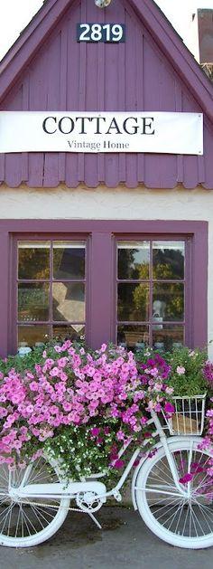 """""""Cottage"""" a vintage shop Maison Douce USA"""
