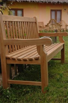 Extra thick teak bench for home, garden, patio or park. Diy Outdoor Table, Outdoor Chairs, Outdoor Furniture, Outdoor Decor, Diy Planter Box, Diy Planters, Diy Pallet Projects, Wood Projects, Pallet Ceiling