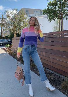 b002607da1402 Lauren Bushnell wears a Lovers + Friends Sweaters Chloe Faye Small