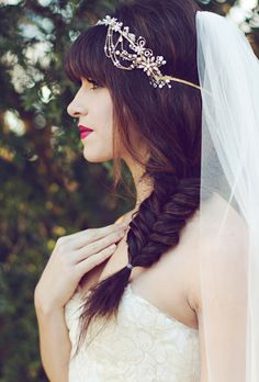 How to do an easy DIY fishtail braid for your wedding hairstyle   Brides.com