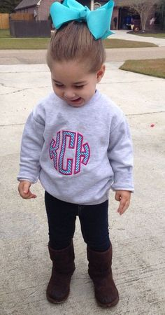 omg @Ashlie Oestreich Mandare cant you just imagine little kensi and missoni being like this? so freaking cute