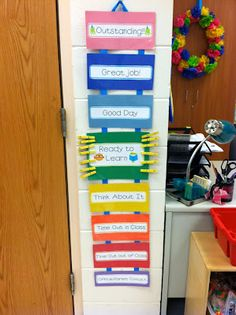 T is for Teaching: Classroom Reveal: Teacher's Desk, AR Board, Behavior Chart... I love this! The opportunity to move up too! Not just for negative behavior!