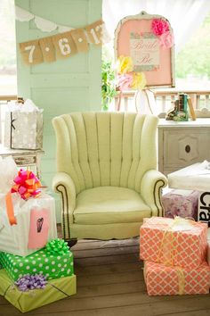 36 Ideas for baby shower seating arrangements color schemes Baby Shower, Bridal Shower Party, Bridal Shower Decorations, Retro Bridal Showers, Ideas Para Organizar, Vintage Bridal, Here Comes The Bride, Inspiration, Party Ideas