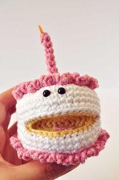 Crochet Strawberry Amigurumi Cake