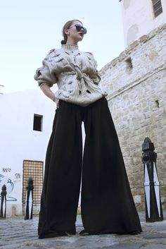 Found them in a beautiful city that Romania has to offer, Cluj-Napoca. Blogger Lifestyle, Makeup Hairstyle, Romania, Storytelling, Street Wear, Ootd, Street Style, Couture, Stylish