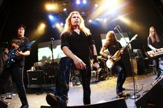 Old Stratovarius live formation.