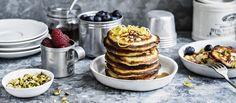 Ricottapancakes eli mehevät ricottapannukakut sopivat hyvin brunssiruoaksi. Tarjoa lisäksi tuoreita marjoja tai hedelmiä sekä vaahterasiirappia. Noin 0,25€/kpl. Ricotta, Pancakes, Cooking, Breakfast, Food, Desserts, Kitchen, Morning Coffee, Tailgate Desserts