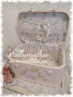 ~A SWEET GATHERING...Train Case Makeover~
