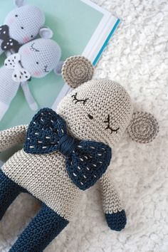 Amigurumi Patterns and Handmade Dolls Crochet Animal Patterns, Stuffed Animal Patterns, Amigurumi Patterns, Crochet Animals, Crochet Dolls, Crochet Hats, Baby Toys, Lily, Handmade Dolls