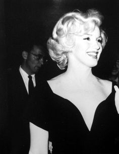 Marilyn at a press conference for Some Like It Hot, July 8, 1958.
