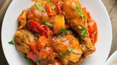 ▷ Muslitos de pollo con pimientos | CONPOLLO.ME | Recetas con pollo Tandoori Chicken, Bacon, Ethnic Recipes, Food, Moist Chicken, Diners, Tasty, Meal, Essen