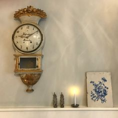 Stunning beauty from Sweden at Gustav Interiors Grave Swedish Style, Swedish Design, Scandinavian Furniture, Traditional Decor, Simple Designs, Sweden, Netherlands, Furniture Design, Clock